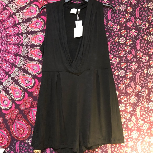 ca192001a2 NWT Sexy Shorts romper! A Good Gem size large